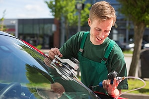 Mobile Auto Glass Service in Galesburg, IL